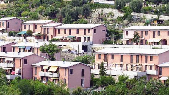 disoccupato-casa-popolare
