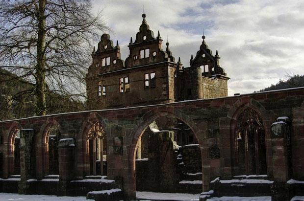 Un monastero del XV secolo nella Foresta Nera in Germania - i posti abbandonati più belli del mondo