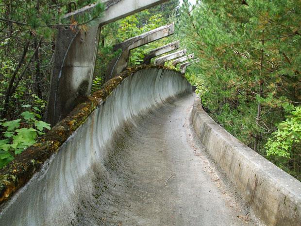 Una pista di Bob delle olimpiadi invernali 1984 in Sarajevo - i posti abbandonati più belli del mondo