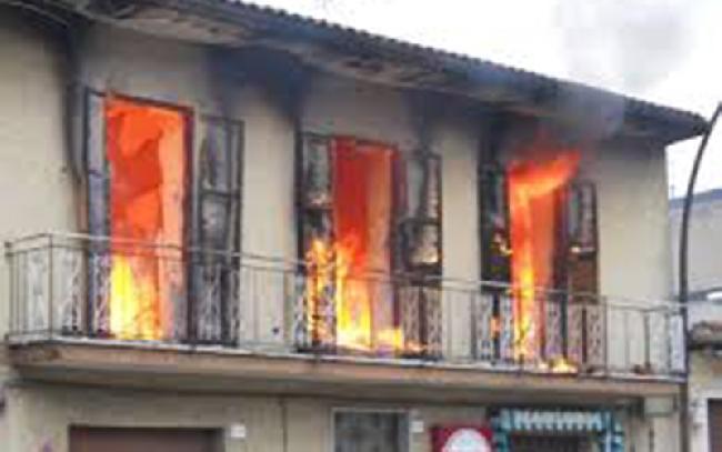 Caronia casa distrutta incendio