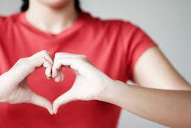 cuore con mani