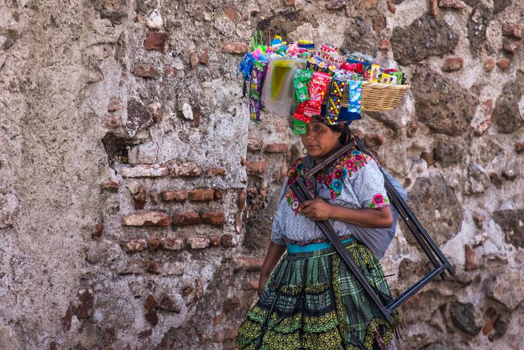 guatemala-antigua-street-market-life-crazy